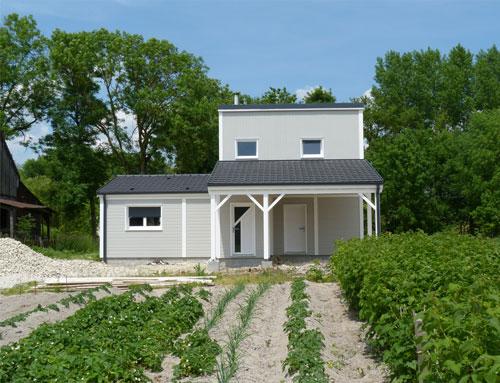Maison moderne avec bardage CanExel