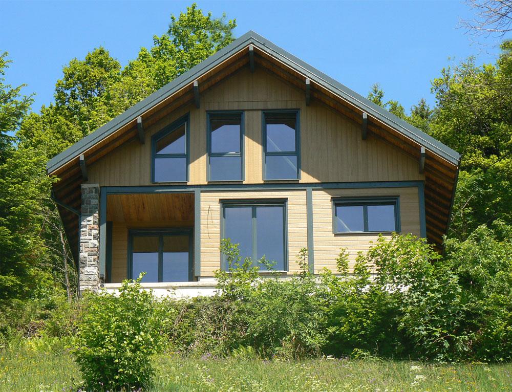Chalet moderne pierre et bardage canexel nos chalets en bois chalet 2 pans - Chalet en bois moderne ...