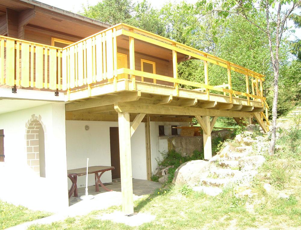 Am nagement terrasse r novation et extensions maison ou - Balcon en bois ...