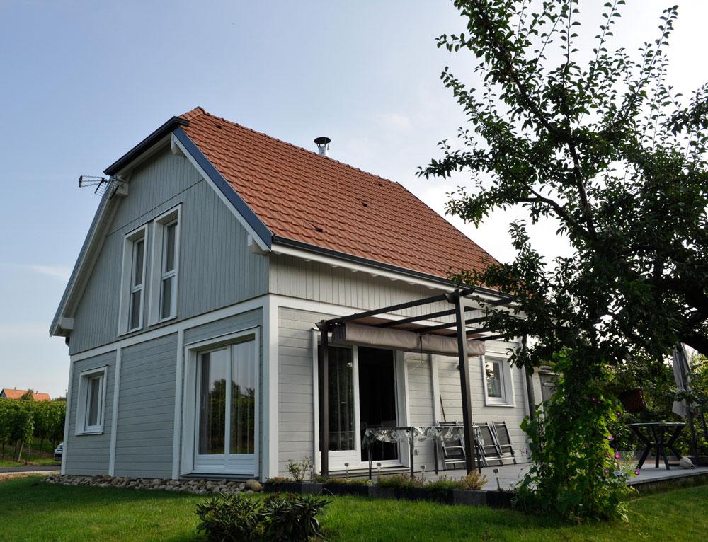 maison bois and bardage canexel nos maisons ossatures bois maison 2 pans. Black Bedroom Furniture Sets. Home Design Ideas
