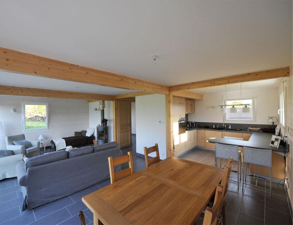 Maison ossature bois avec bardage canexel nos maisons for Interieur maison ossature bois