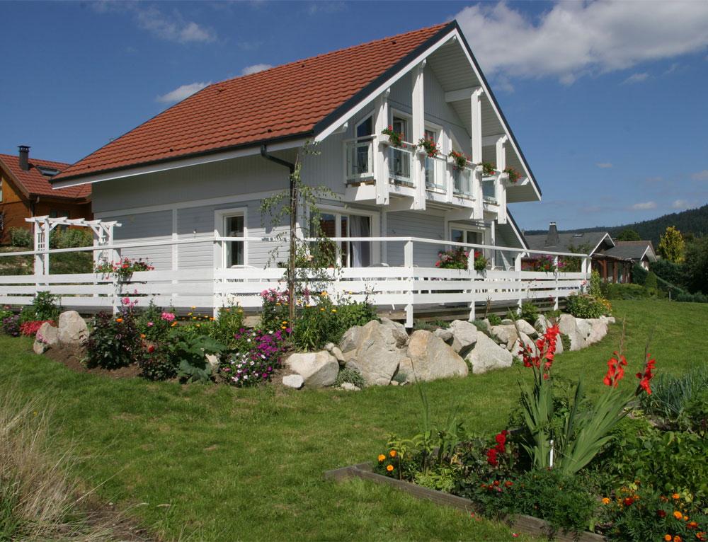 Maison bois traditionnelle avec bardage canexel nos maisons ossatures bois maison 2 pans - Id maison bois ...