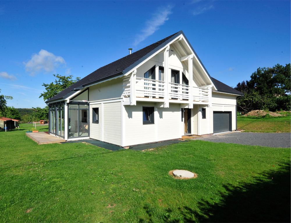 Maison bois luminance avec v randa nos maisons ossatures for Maison moderne 4 pans