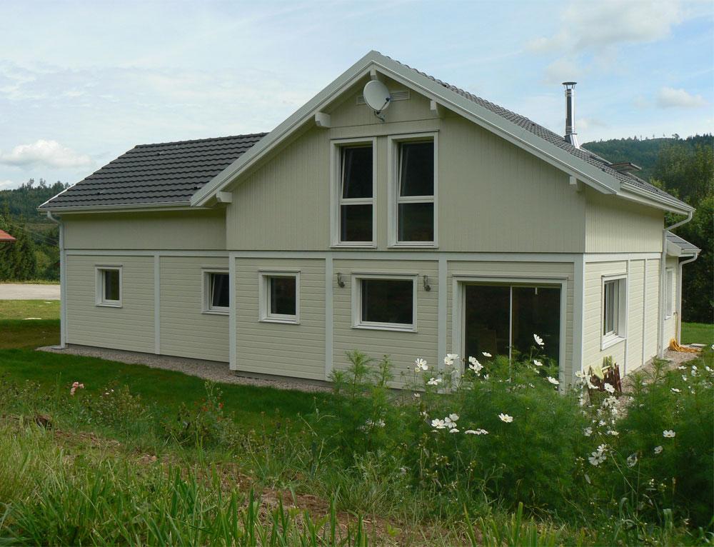 Grande maison bois l gance poteau poutre nos maisons for Maison avec 5 chambres