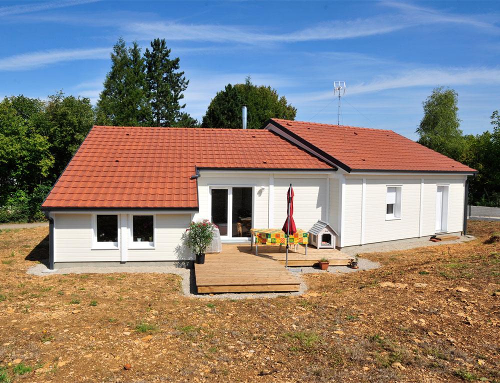 Maison bois de plain pied avec bardage canexel nos maisons for Chalet bois plain pied