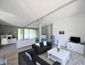 grand espace interieur moderne ouvert type loft