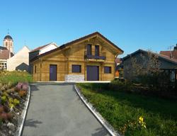 Maison à ossature et bardage bois